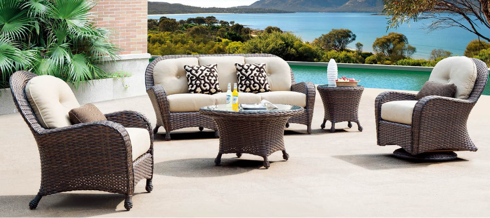 Catalina Collection Clinton Casual Patio And Fireplace